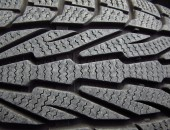 winter-tires-1011442_640