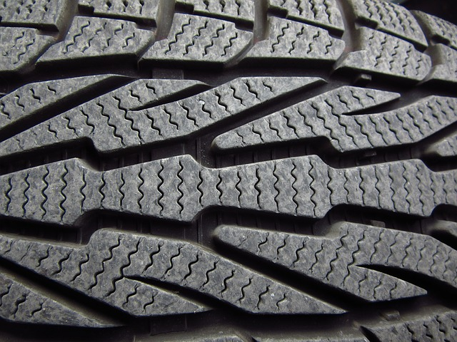winter-tires-1011442_640